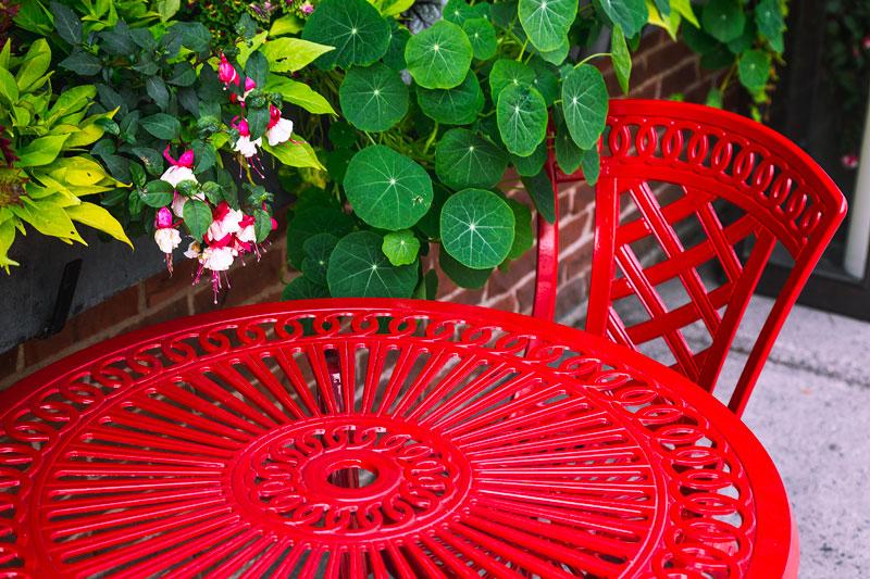 Le thermolaquage, la solution idéale por repeindre votre mobilier de jardin en Lorraine